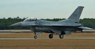 F-16战隼/蛇蝎 免版税库存照片