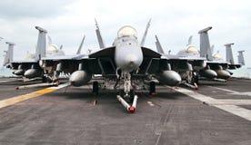 F18超级大黄蜂三角洲形成 免版税库存照片