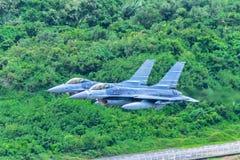 2 F-16飞行 库存照片