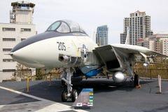 F-14中途的USS的Tomcat 库存照片