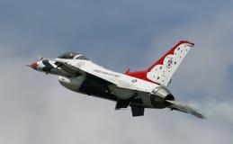 F 16 Bildschirmanzeige-Team U.S.A.F.-Thundrbirds lizenzfreies stockbild