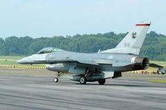 F-16 het Taxiån Stock Foto