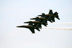 F-16 vijf in Airshow Royalty-vrije Stock Afbeeldingen