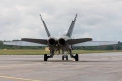 F/A-18 roulant au sol pour décollent Image libre de droits