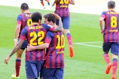 f C Футболисты Барселоны празднуют цель против Хетафе Клуба de Futbol на стадионе Nou лагеря на испанской лиге Стоковые Изображения RF