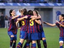 f C巴塞罗那女子的反对RCD Espanyol的橄榄球队戏剧 免版税库存照片