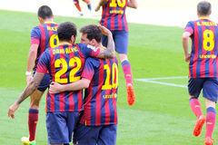f C Barcelona fotbollsspelare firar ett mål mot den Getafe klubban de Futbol på den Camp Nou stadion på den spanska ligan Royaltyfria Bilder