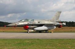 F-16D Viper auf dem Fluglinien Lizenzfreies Stockbild