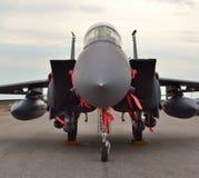 F-15E在跑道的罢工老鹰 免版税库存图片