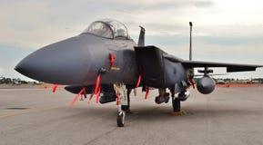 F--15Eslag Eagle på en landningsbana Royaltyfri Bild