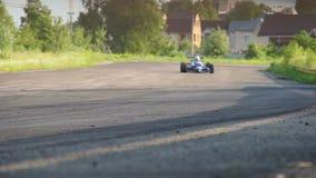 F1 extremt snabba konkurrenter köra, varm jakt för att segra loppet lager videofilmer
