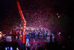 f Fotbollslaget för C Barcelona firar på den Camp Nou stadion Arkivfoto