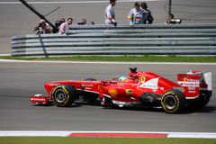 F1 foto - coche Ferrari de la fórmula 1: Fernando Alonso Fotografía de archivo