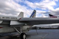 F-14 op een vliegdekschip royalty-vrije stock afbeelding