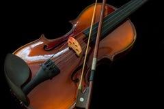 F?r radmusik f?r fiol klassiskt instrument arkivfoto