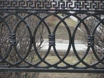 f?r staketport f?r stor tegelsten dekorativt galler f?r j?rn arkivbilder