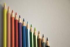F?rben Sie Bleistiftform-Zusammenfassungslinien Muster lizenzfreies stockbild