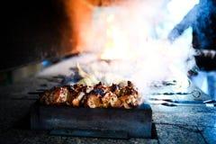 f?rbereder saftig meat f?r brand skivor royaltyfria foton
