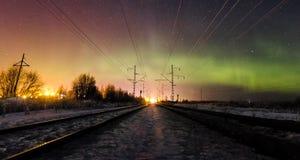 F?rbluffa naturen av Karelia, foto av soluppg?ng och solnedg?ngen, nordliga ljus royaltyfri fotografi