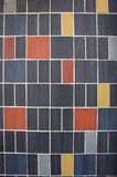 F?rgrik v?ggbakgrund f?r keramiska tegelplattor geometrisk modell Yttre design royaltyfria bilder
