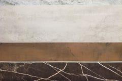 F?rgrika pr?vkopior av marmorerar, och keramiska tegelplattor som in visas, shoppar royaltyfria bilder