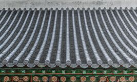 F?rgrikt traditionellt koreanskt dekortak royaltyfria bilder
