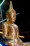 F?rgylla Buddha i de sakrala st?llena fotografering för bildbyråer