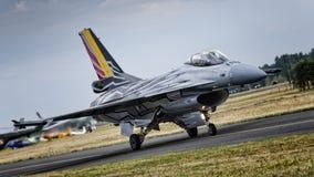 F-16 a solas de la exhibición del belga Imágenes de archivo libres de regalías