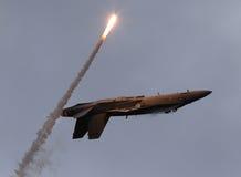 F-18 sopra appoggiano con il chiarore Fotografia Stock Libera da Diritti