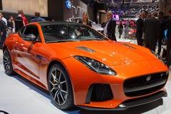 F-tipo 2017 de Jaguar carro do cupê de SVR imagens de stock