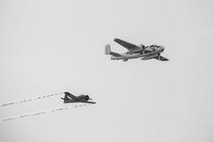 F4U-sjörövare & B25 Mitchell Royaltyfri Bild