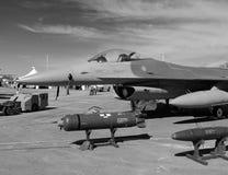 F-16 vechtersvliegtuigen Royalty-vrije Stock Foto's