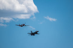 F-16 Viper and P-51C Royalty Free Stock Photos