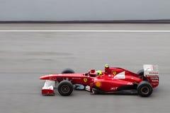 F1 οδηγός Felipe Massa σε μια υψηλή ταχύτητα κατ' ευθείαν Στοκ Εικόνα