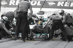 F1 οδηγός Lewis Χάμιλτον - Merecedes & ομάδα Pitstop Στοκ εικόνες με δικαίωμα ελεύθερης χρήσης