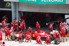 F1 Treiber Fernando Alonso tut eine Probegrube Stockbilder