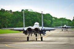 F15 & F16 na pista de decolagem Fotos de Stock Royalty Free