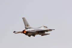 F16 het Portugese opstijgen. Stock Foto's