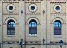 Façade-Detail mit herausgestellter Ziegelsteinfassade II Stockfoto