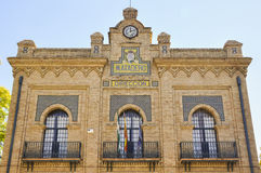 Façade principal du vieil abattoir en Séville, Espagne photo stock
