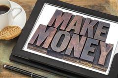 Faça a dinheiro o conceito em linha Fotos de Stock
