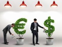 Faça investimentos crescer rendição 3d Foto de Stock
