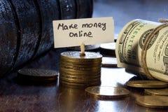 Faça o dinheiro em linha imagens de stock