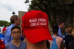 Faça o grande chapéu americano vestido para trás Fotografia de Stock