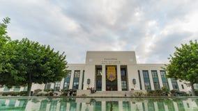 Faça sinal ao timelapse da construção da faculdade da cidade de Pasadena vídeos de arquivo
