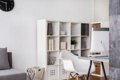 Faça a sua casa seu escritório facilmente imagens de stock