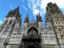 Façade à jour de cathédrale de Rouen, Normandie, France images libres de droits