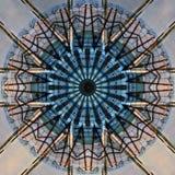 Façade avec le kaléidoscope vu par escaliers de tire-bouchon illustration libre de droits