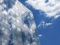 Façade avec les panneaux solaires Image libre de droits
