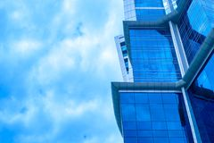 Façade bleue de construction photographie stock